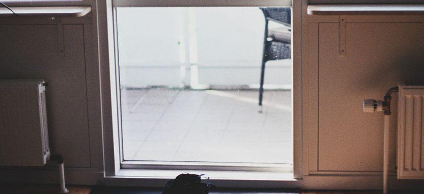 Fönster och dörrar som för en närmare naturen